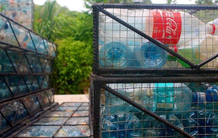 garrafas plásticas
